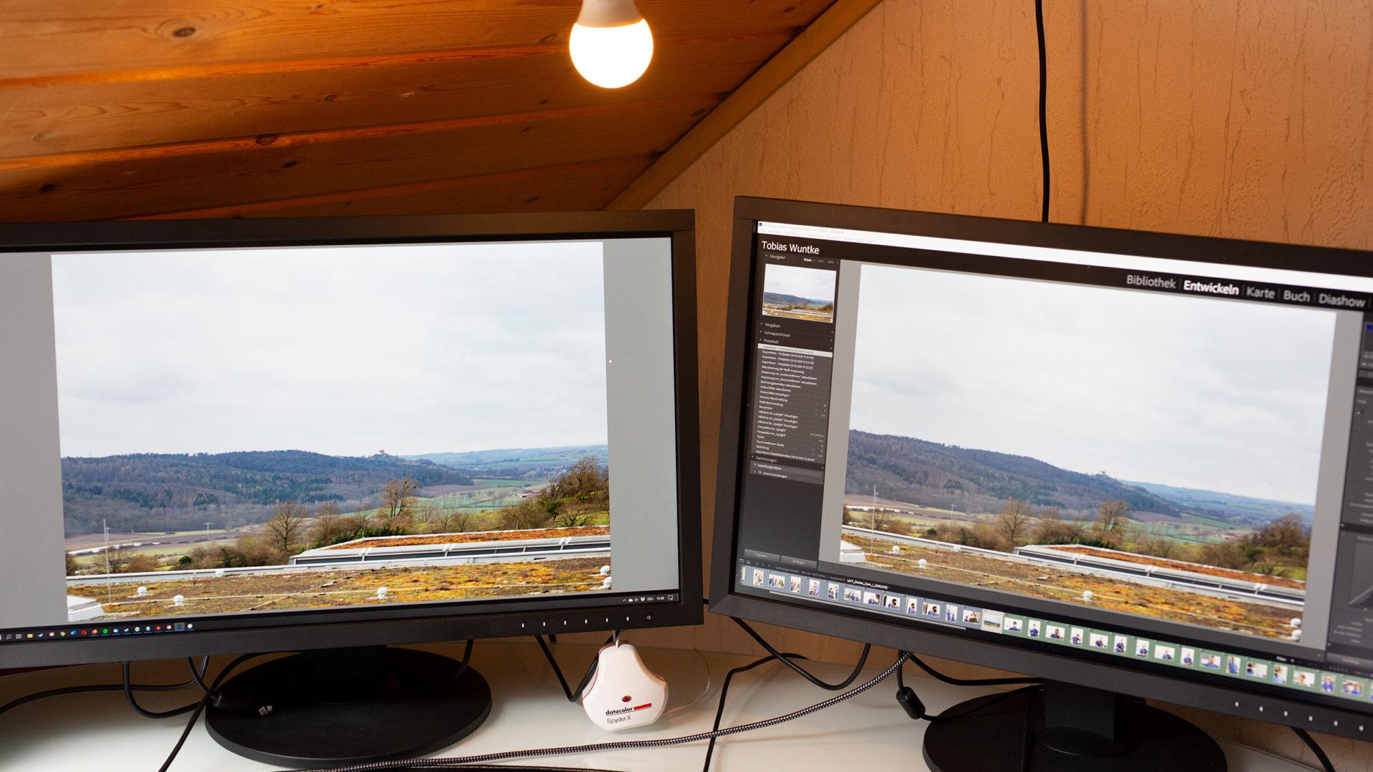 Zwei EIZO ColorEdge CS 2740 4K Monitore